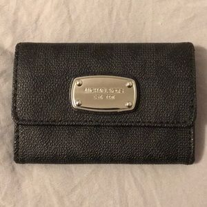 Small Michael Kors Wallet Black- Authentic